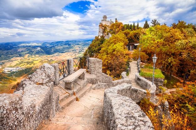 Outono na república de san marino, viagens e lanmarks na itália