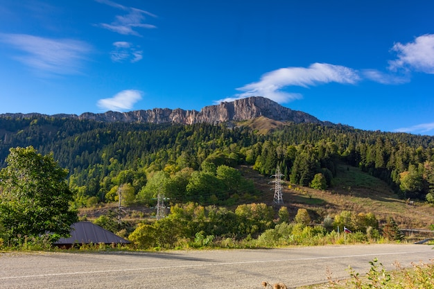 Outono, paisagem, alcance montanha, nagoya-kosh, em, adygea, contra, a, céu azul