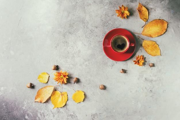 Outono xícara de café