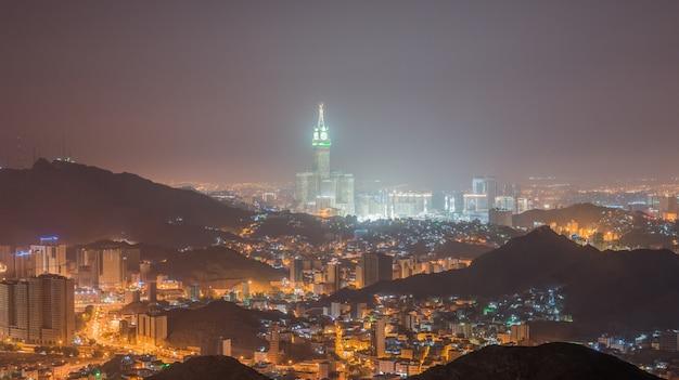 Outra vista da cidade de meca da montanha an-nur