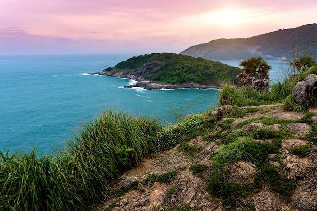 Outra vista do cabo promthep, phuket, tailândia.