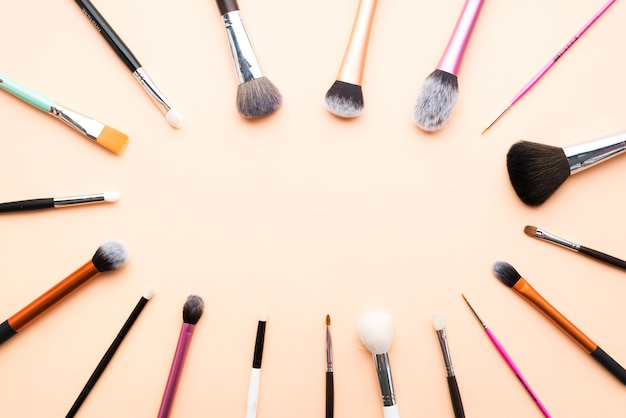 Oval de pincéis de maquiagem