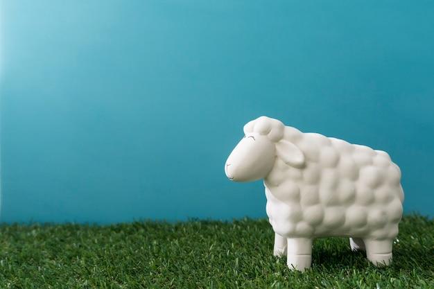Ovelhas decorativa para o dia da páscoa