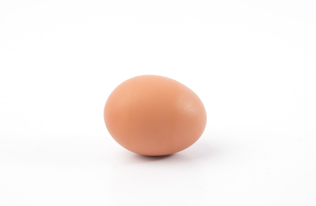 Ovo de galinha isolado
