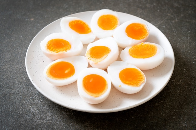 Ovos cozidos macios