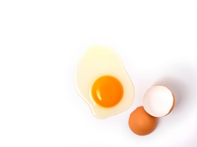 Ovos de galinha orgânicos conceito de ingredientes alimentares