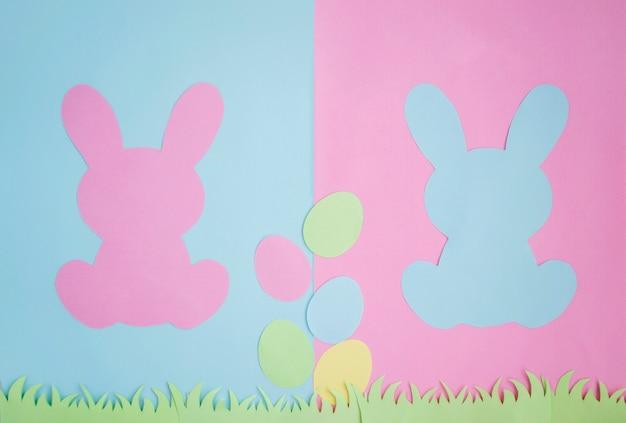 Ovos de páscoa e orelhas de coelho são feitos de papel.