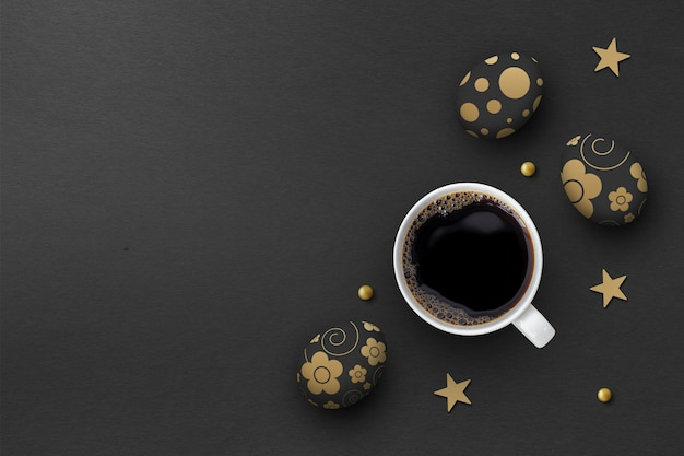 Ovos de páscoa e xícara de café quente sobre fundo de papel preto. vista do topo