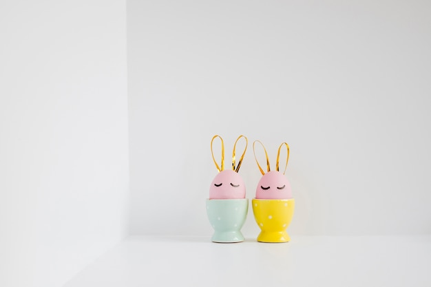 Ovos de páscoa em estandes