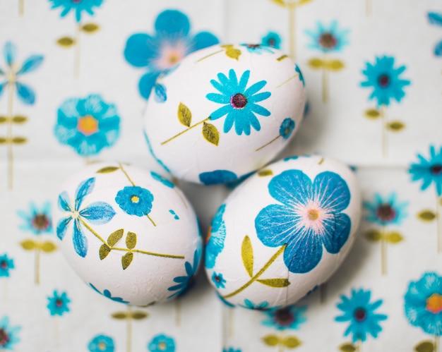 Ovos de páscoa flores decoupaged