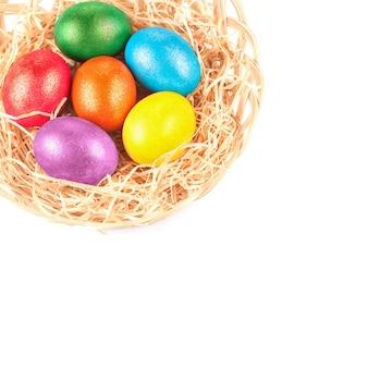 Ovos de páscoa no ninho