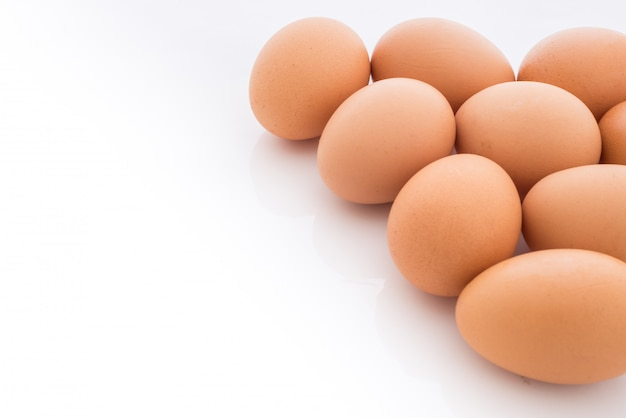 Ovos dispostos no canto é isolado