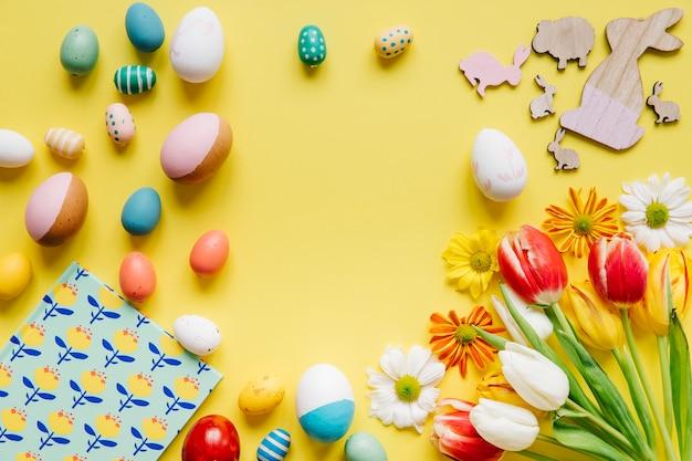 Ovos e decoração compostos para a páscoa