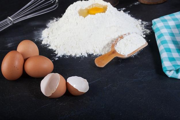 Ovos e farinha