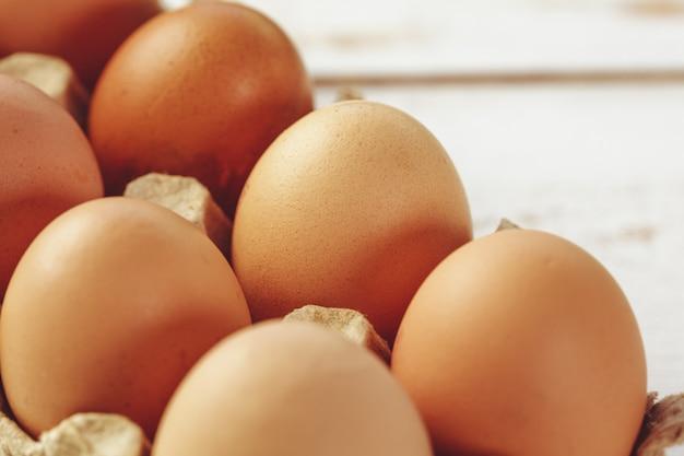 Ovos em madeira
