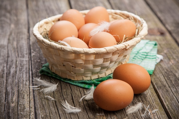 Ovos orgânicos frescos