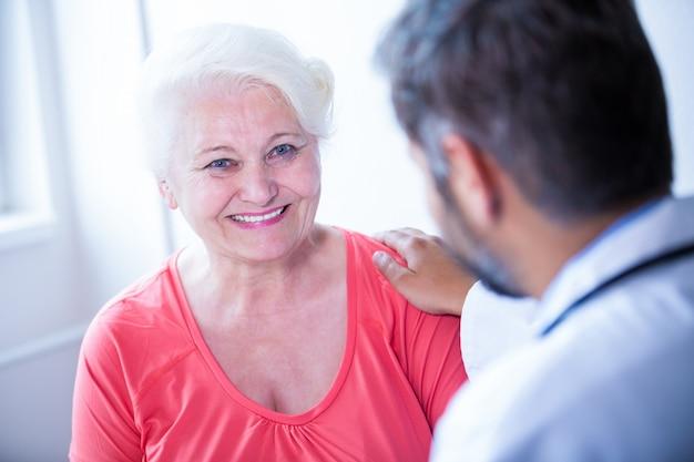 Paciente consultar um médico