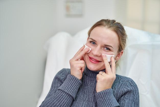 Paciente em clínica de estética