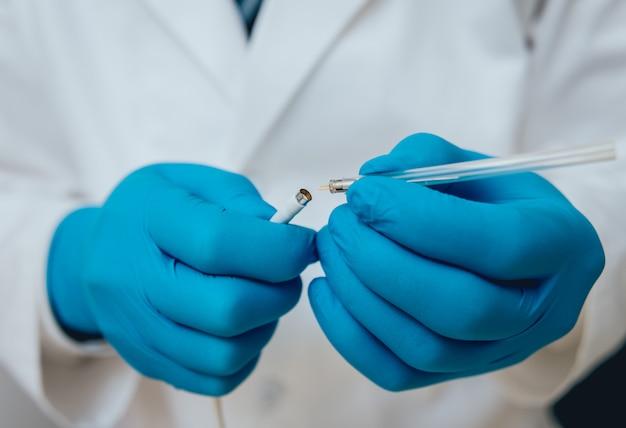Paciente na clínica neuropatologista