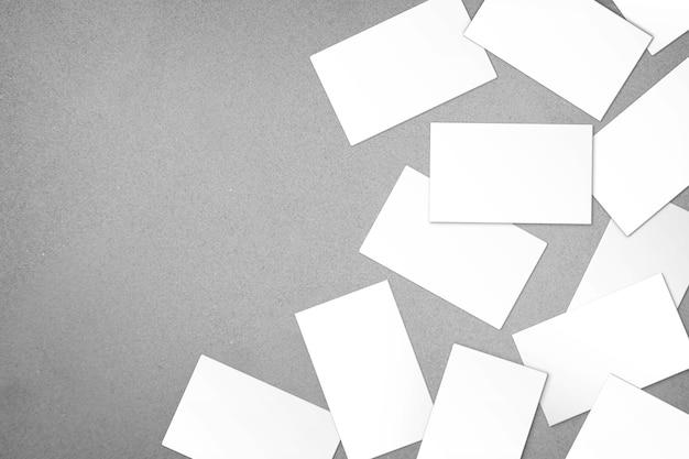 Pacote bagunçado de cartões de visita desordenado