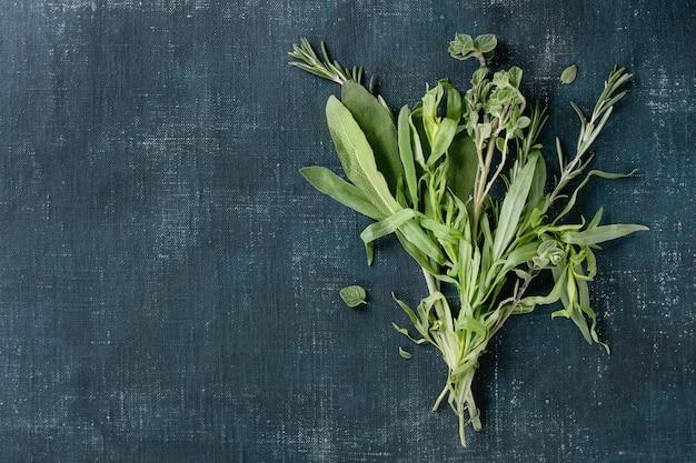 Pacote de ervas italianas frescas