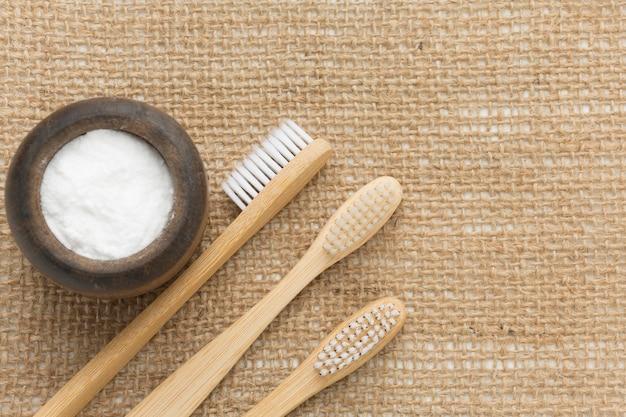 Pacote de escovas de dentes ecológicas