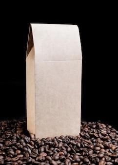 Pacote de papel em grãos de café