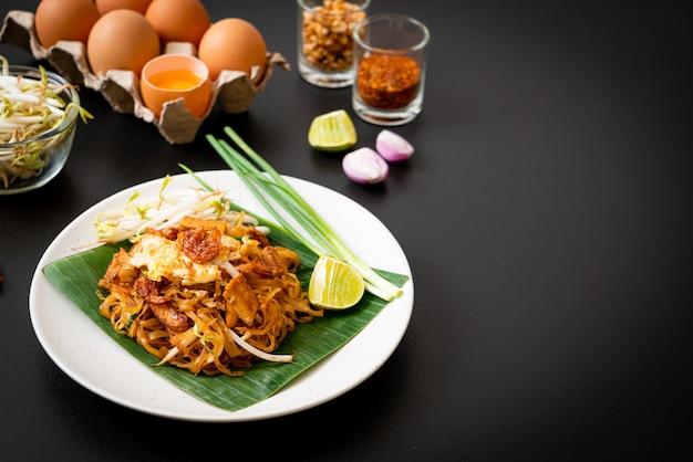 Pad tailandês macarrão de arroz frito