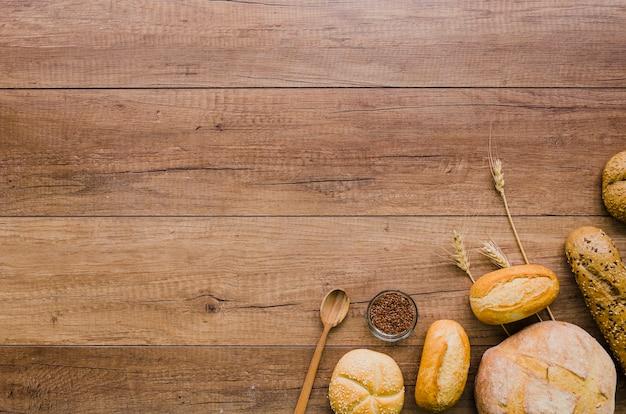 Padaria ainda vida com pão artesanal