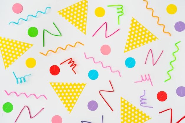 Padrão de formas geométricas multicoloridas. impressão retro da arte abstracta do vintage. estilo memphis dos anos 80-90. vários objetos de festa.