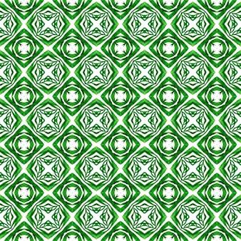 Padrão de fronteira étnica de verão em aquarela. design de verão chique de boho justo verde. padrão étnico pintado à mão. estampado incrível pronto para têxteis, tecido de biquíni, papel de parede, embrulho.