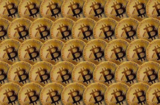 Padrão de muitos bitcoins dourados. conceito de mineração de criptomoeda