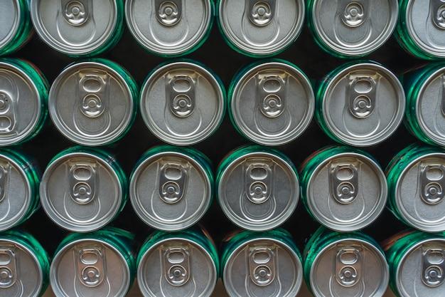 Padrão de repetição de latas de bebidas