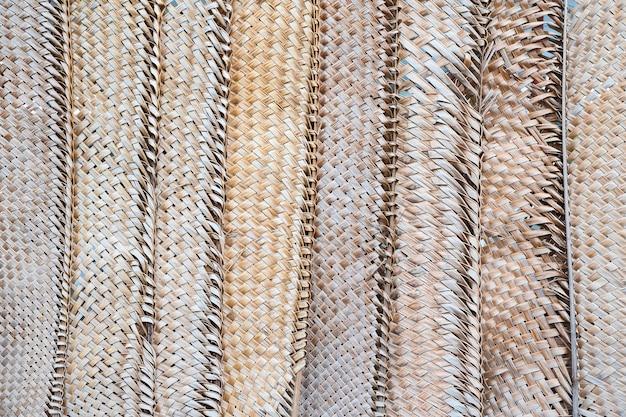 Padrão de tecelagem de folhas de coco