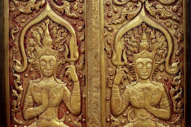 Padrão na parede do templo no norte do templo chiangrai da tailândia
