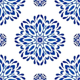 Padrão ornamental sem emenda de mandala abstrata do damasco para a tela. azulejo azul aquarela