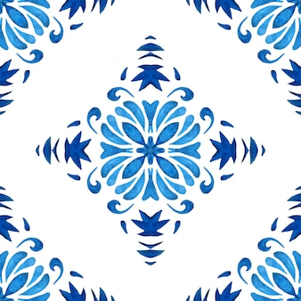 Padrão sem emenda de aquarela damasco azul, ornamento de ladrilhos do renascimento. fundo de filigrana abstrato azul da flor. medalhão geométrico ikat. cerâmica de inspiração portuguesa e espanhola.