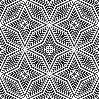 Padrão sem emenda de medalhão. fundo preto caleidoscópio simétrico. telha sem costura medalhão em aquarela. impressão única pronta para têxteis, tecido para biquínis, papel de parede, embrulho.