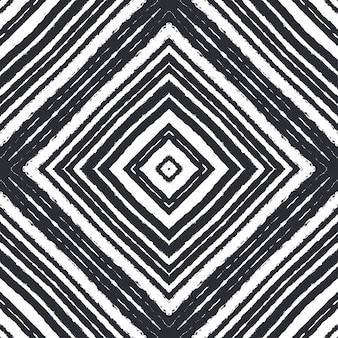 Padrão sem emenda em mosaico. fundo preto caleidoscópio simétrico. estampado fascinante pronto para têxteis, tecido para biquínis, papel de parede, embrulho. design sem emenda do mosaico retro.