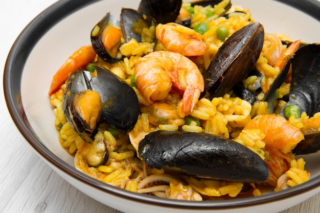 Paella com frutos do mar