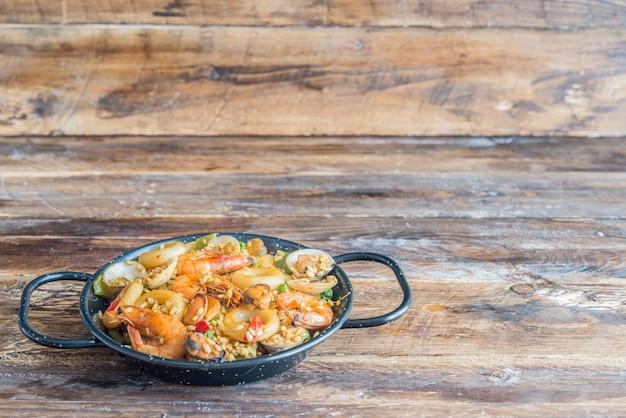 Paella comida espanhola típica