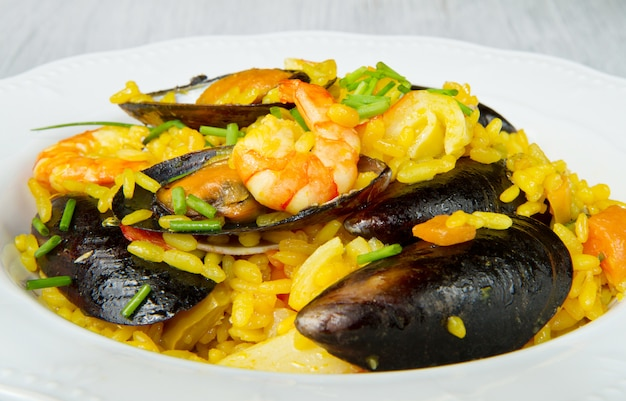 Paella de peixe