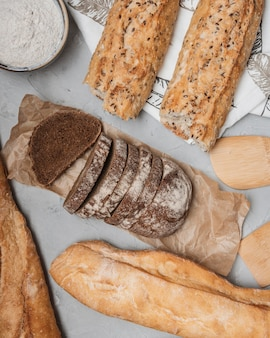 Pães crocantes de pão plano