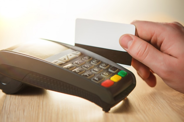 Pagamento com cartão de crédito, compra e venda de produtos ou serviços