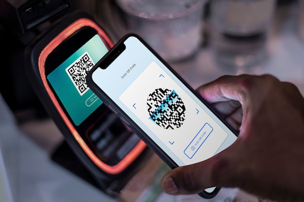 Pagamento sem contato e sem dinheiro por meio de código qr e banco móvel
