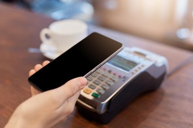 Pagamento sem contato por telefone