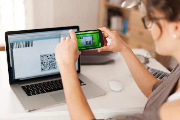 Pagar contas digitalizando o código qr é mais rápido e fácil