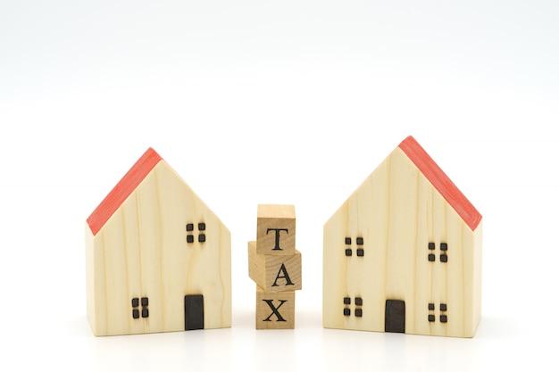 Pagar renda anual (imposto) do ano como conceito de negócio em segundo plano e conceito de finanças