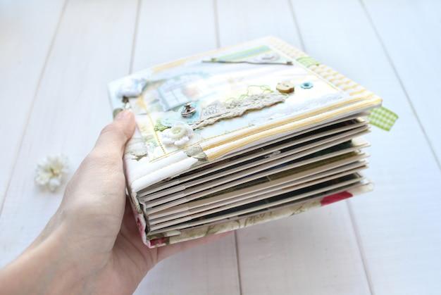 Página do álbum de fotos do scrapbooking