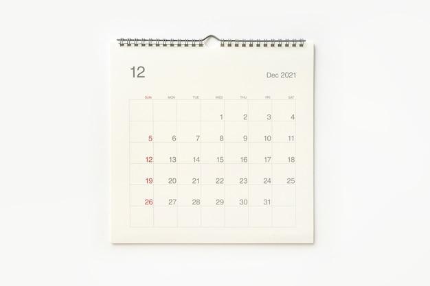 Página do calendário de dezembro de 2021 em fundo branco. plano de fundo do calendário para lembrete, planejamento de negócios, reunião marcada e evento.